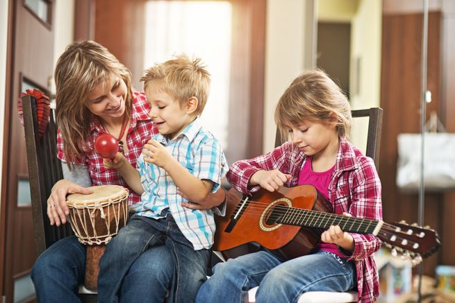 Sumber : https://www.workingmother.com/family-melodies-benefits-hearing-and-playing-music